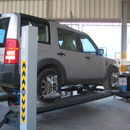 Electronic 4 Wheel Alignment